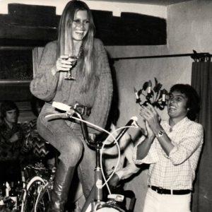 Brigitte Bardot rides a bike, sur la table. Happy Thanksgiving! (It's Rides a Bike's 4th anniversary, too!)