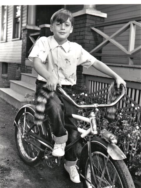 Kieran Culkin ridesabike.com