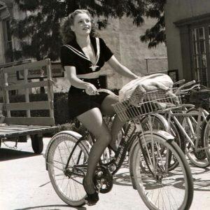 Julie Bishop steals a bike.