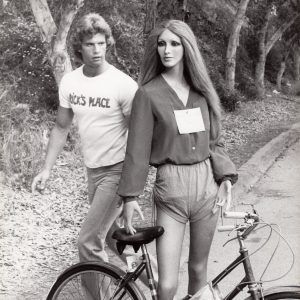 Lorenzo Lamas, mannequin and bike.